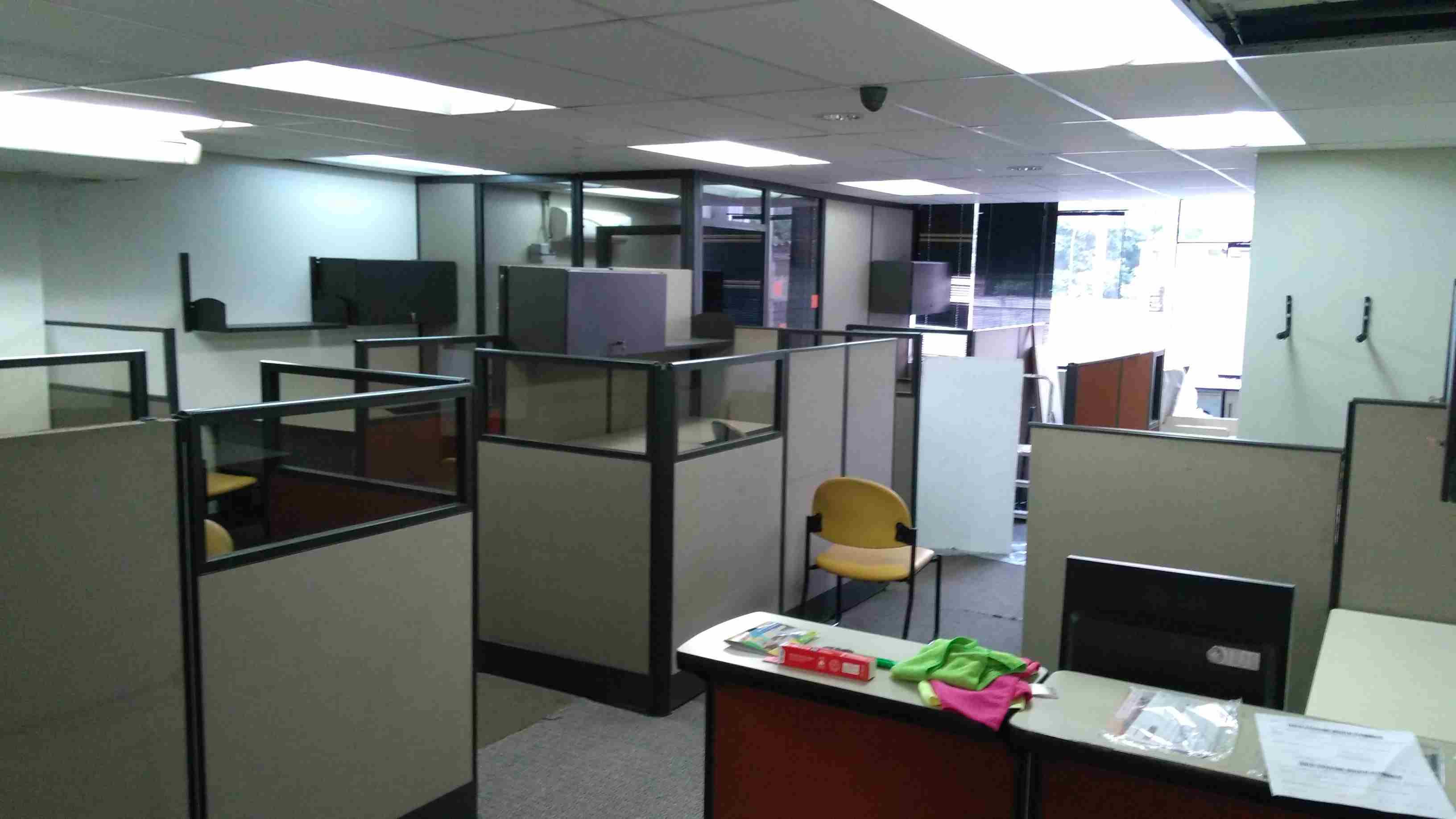 Alquiler de oficina en san isidro codigo r00956 for Codigo de oficina